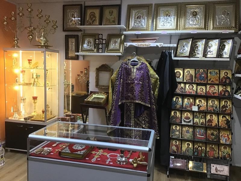 """Wyposażenie świątyń – nowy asortyment w sklepiku monasterskim """"Galilea"""""""